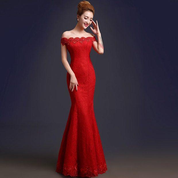 Модные женские платья Осень-2018: платье красное русалка открытые плечи