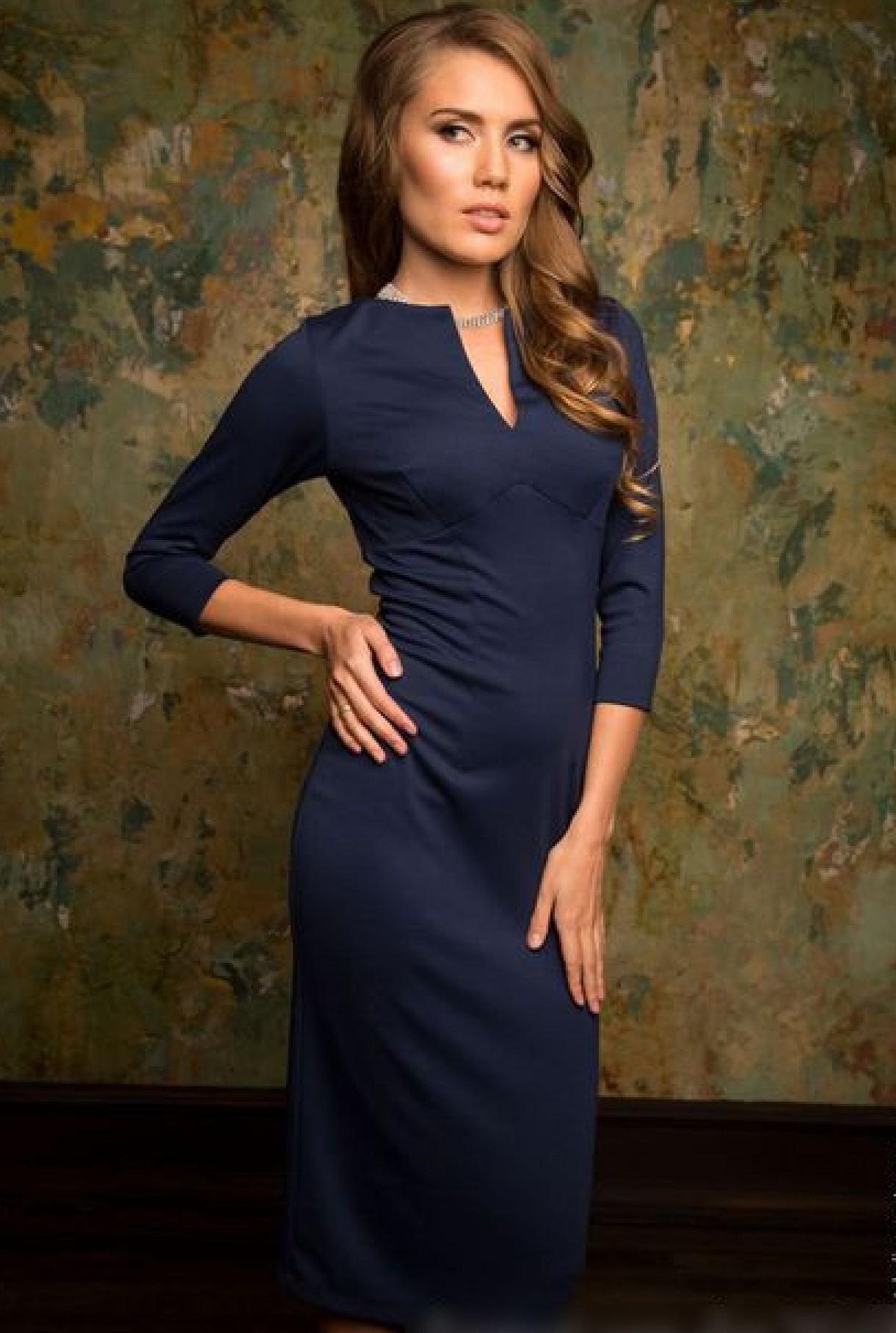 Модные женские платья Осень-2018: платье строгое синее