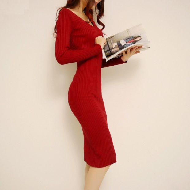 Модные женские платья Осень 2019: платье длинное красное рукав длинный V образный вырез