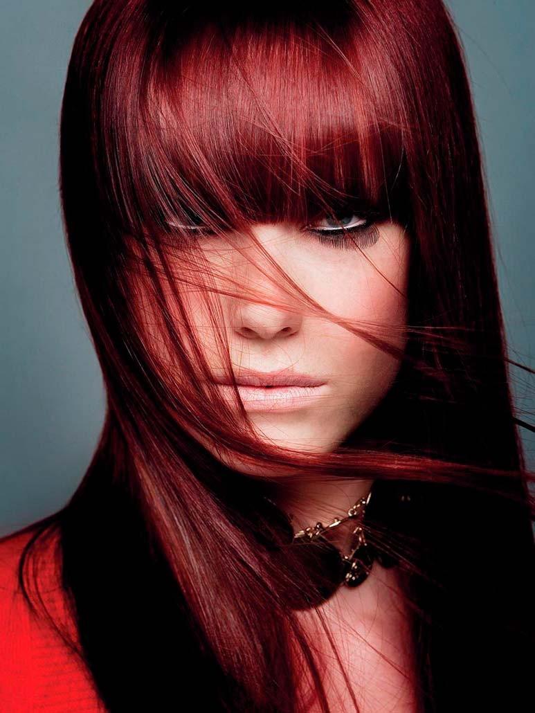 Модные женские прически 2018 года: бордовые волосы