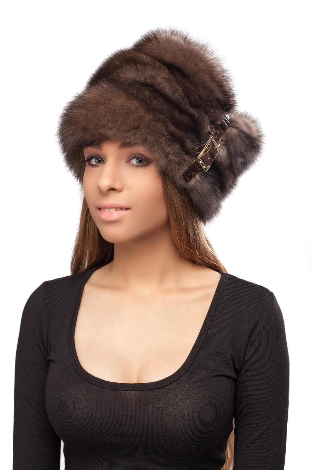 модные головные уборы 2018: шапка папаха из меха