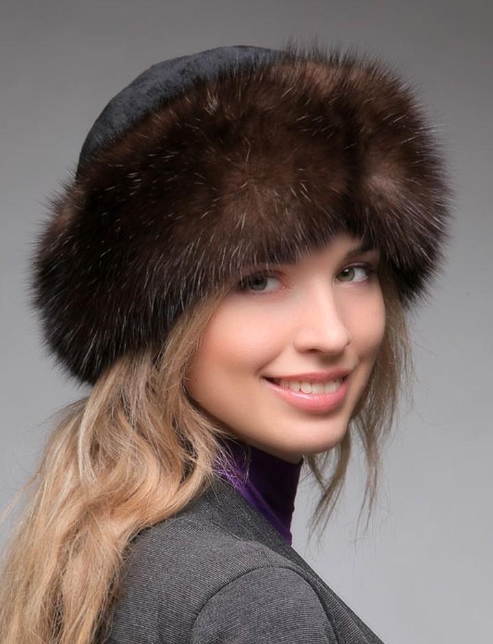 модные головные уборы 2019-2020: шапка из меха