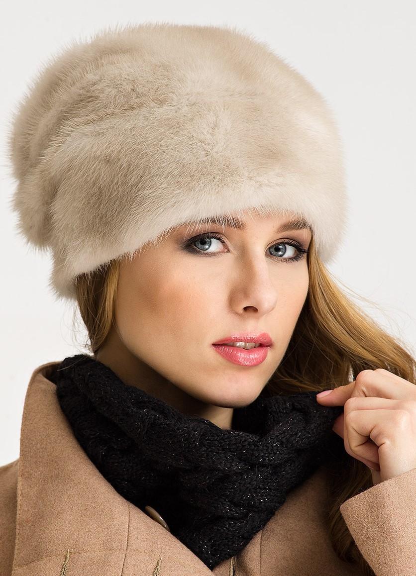модные меховые шапки 2018: светлая