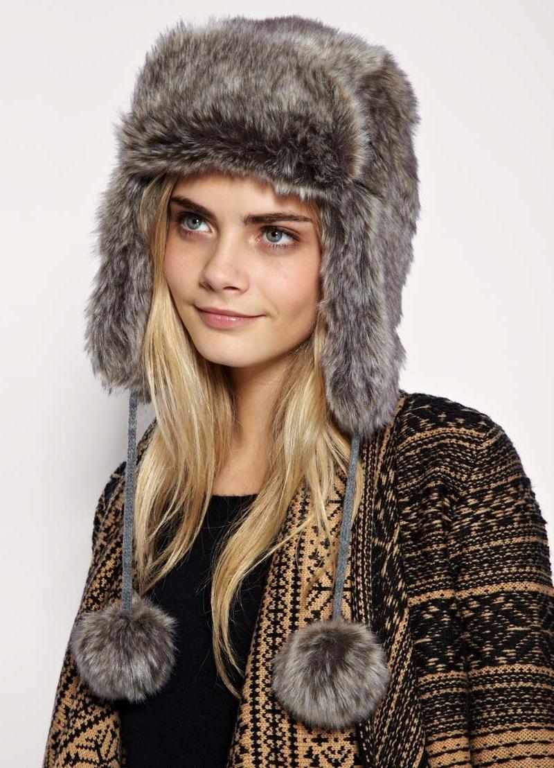 модные меховые шапки 2018: шапка ушанка серая