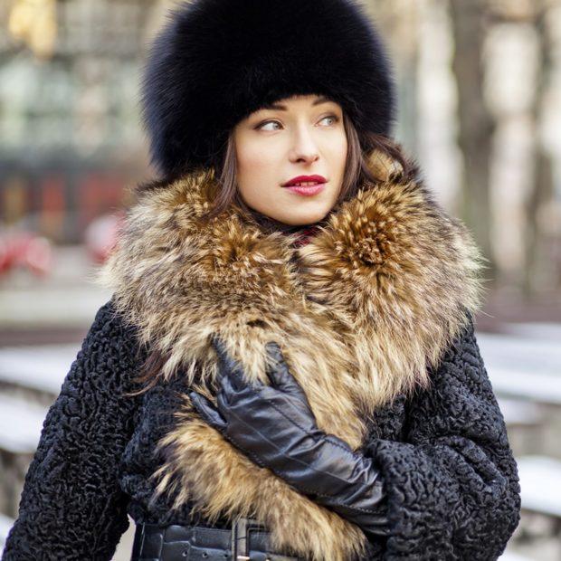 модные меховые шапки: с длинным мехом черная