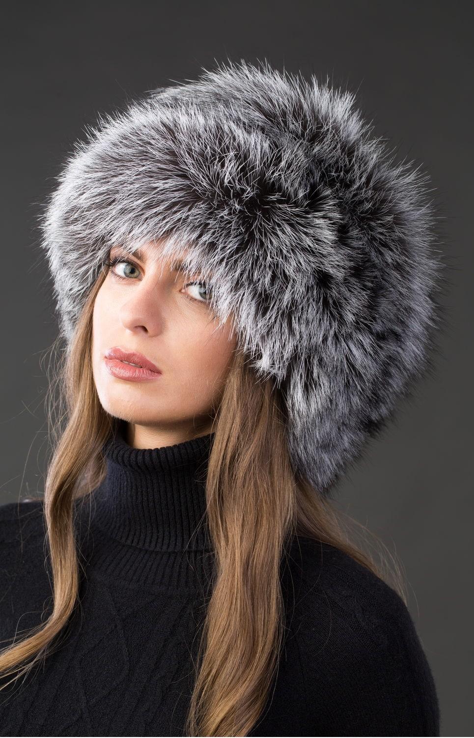 модные меховые шапки: папаха серая мех длинный