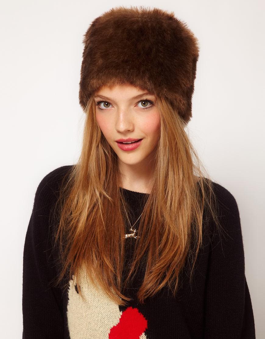 модные меховые шапки: шапка кубанка коричневая