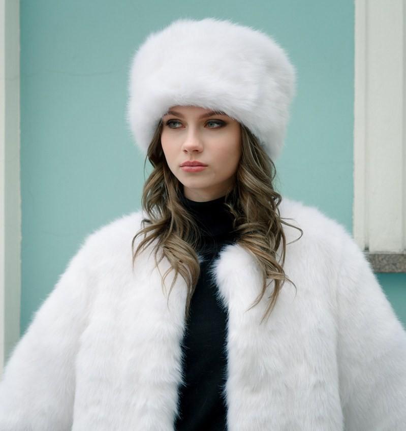 модные меховые шапки: шапка кубанка белая