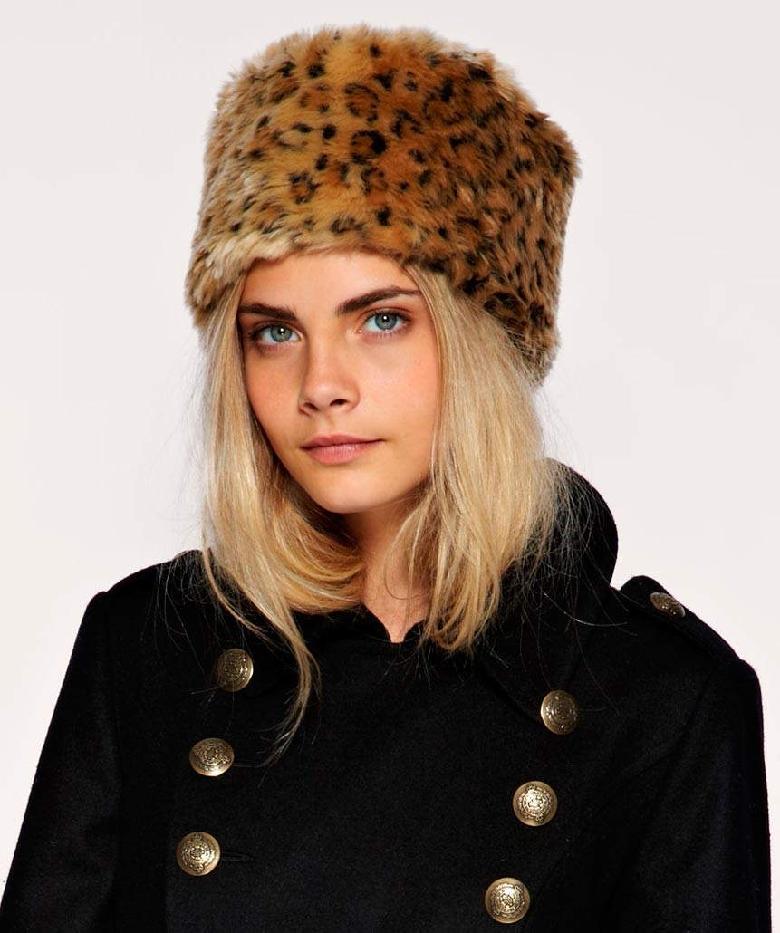 модные меховые шапки 2018: шапка леопард