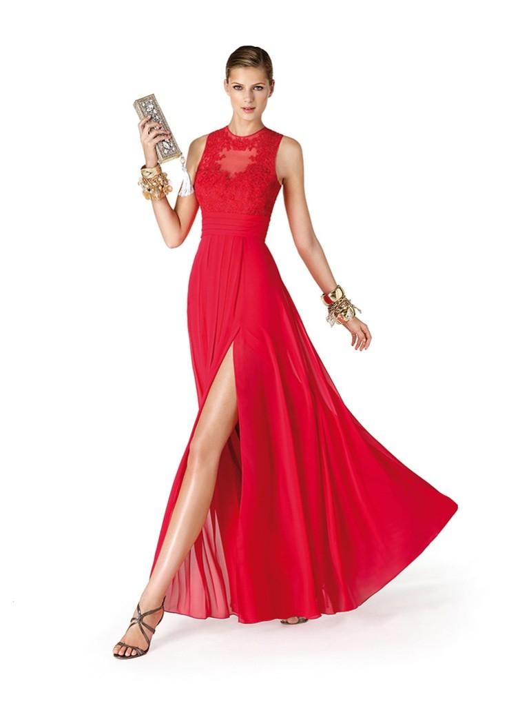 Платья 2018 фото: платье красное длинное с разрезом без рукава
