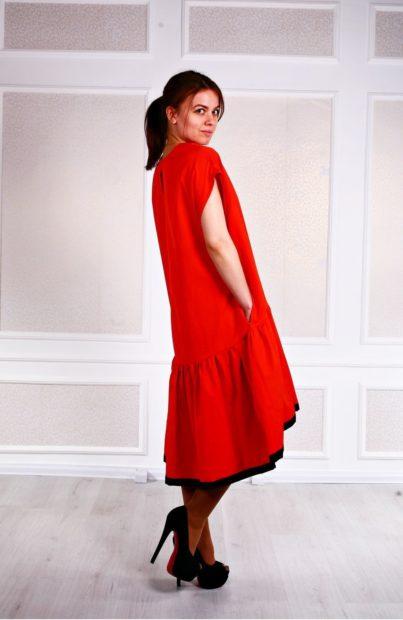 модные женские платья зима 2019-2020: платье с рюшками красное длинное