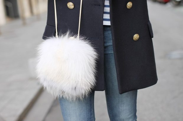 модные женские сумки 2018: сумка из меха белая круглая