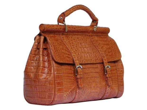 модные женские сумки 2018: под крокодила коричневая