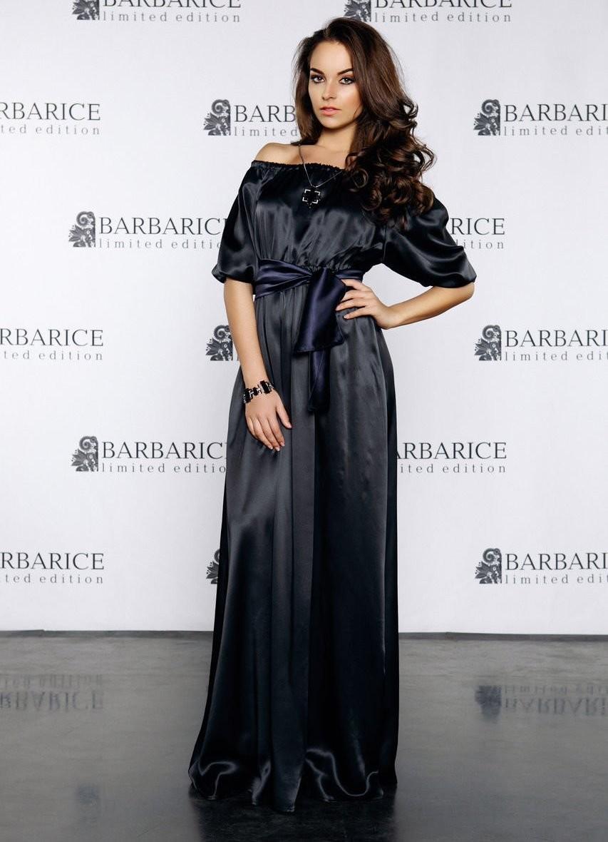 Модные вечерние платья 2019-2020 года: платье черное в пол шелковое