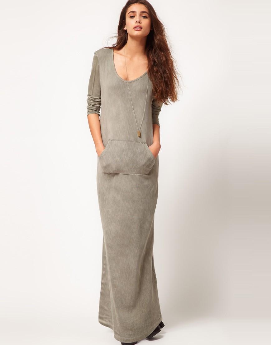 Модные вечерние платья 2019-2020: платье трикотажное серое в пол