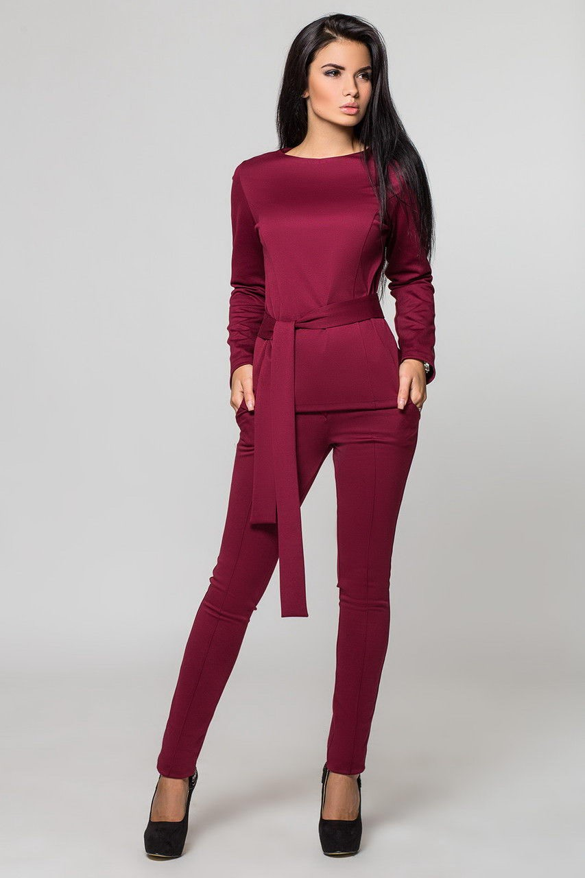 модные вечерние платья 2019-2020: костюм бордовый брючный