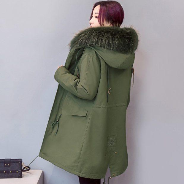 модные женские дубленки 2019-2020: парка из овчины зеленая