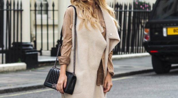 модные женские дубленки 2018: мехом наружу светлая