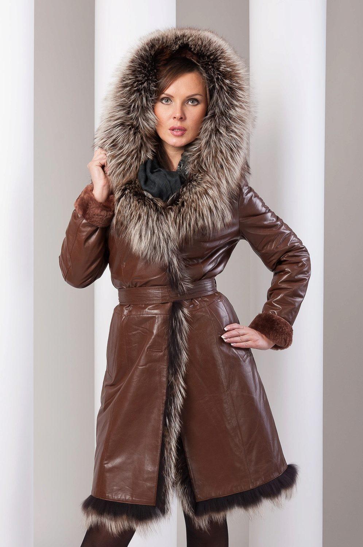 модные женские дубленки 2018: классическая коричневая под пояс