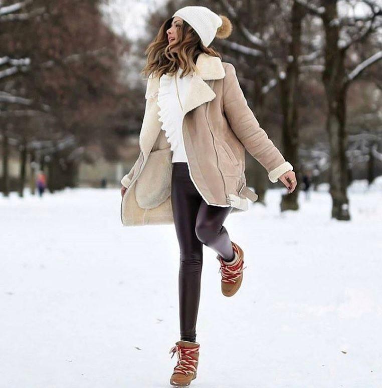 модные женские дубленки 2018: короткая дубленка классика светлая