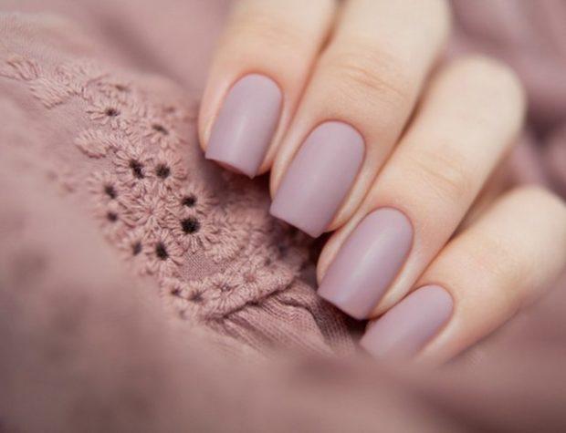 Модный дизайн ногтей в 2019-2020 году: матовые ногти бледные фиолетовые