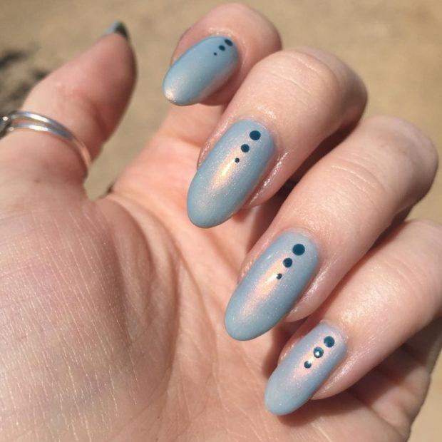 Модный дизайн ногтей в 2019-2020 году : ногти миндальные с точками