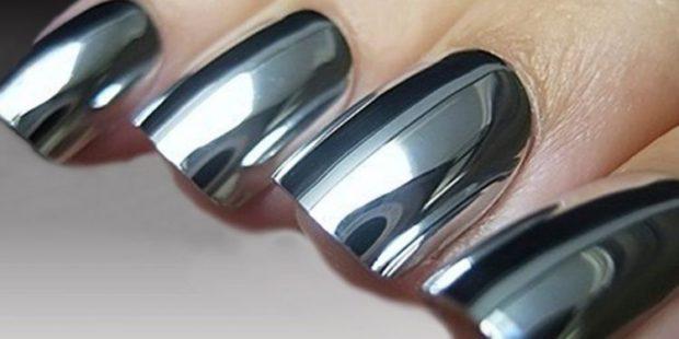 Модный лак для ногтей в 2019-2020 году: серебристый лак металлика
