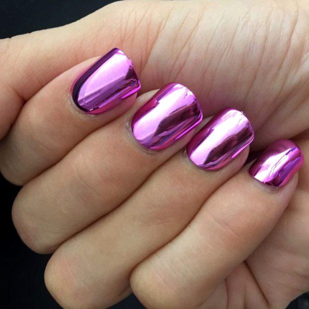 Модный лак для ногтей в 2019-2020 году: розовый металлик