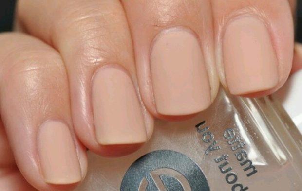 Модный лак для ногтей в 2019-2020 году: матовые короткие ногти под натуральный