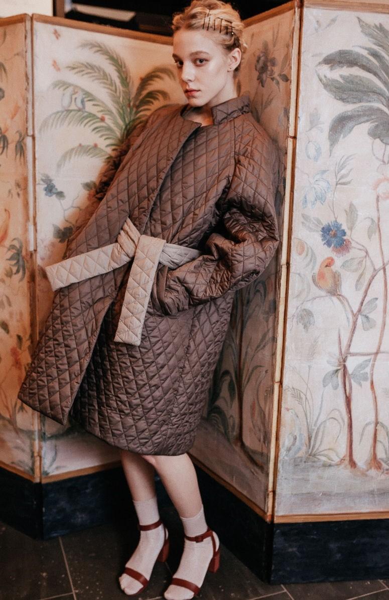 модное пальто осень-зима 2019-2020: пальто стеганное не промокаемое