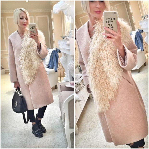 модные пальто осень-зима 2019-2020: пальто розовое с меховым декором