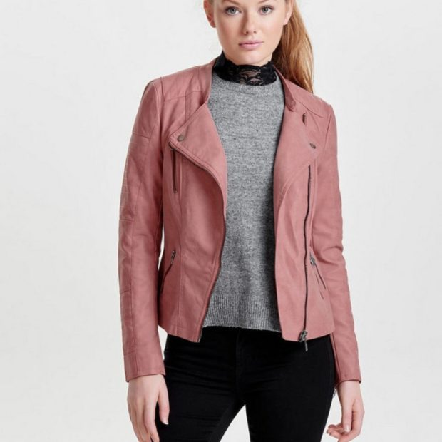 Модные женские куртки 2019-2020 года: куртка косуха розовая