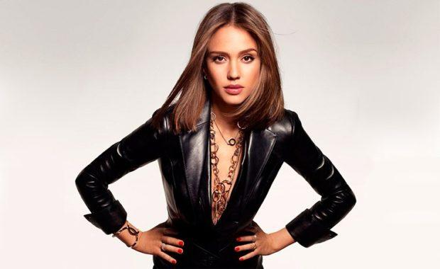 Модные женские куртки 2019-2020 года: куртка кожаная глянцевая