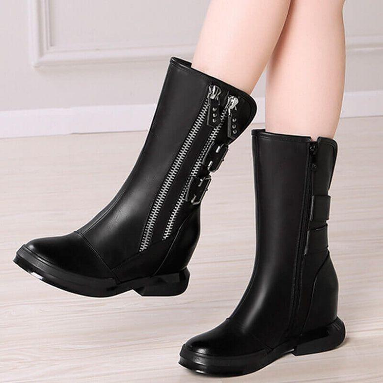 bfd196683f4 модные сапоги осень зима 2019-2020  сапоги черные с декором
