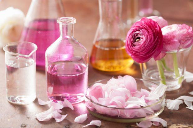 модные женские ароматы весна 2018: духи цветочные с запахом розы