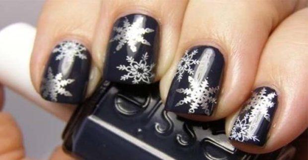 новогодний дизайн ногтей 2018: черный с серебром снежинки