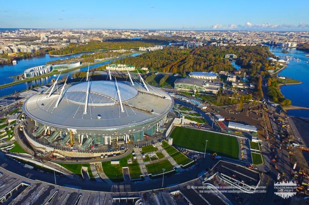 Станция метро Новокрестовская 2018