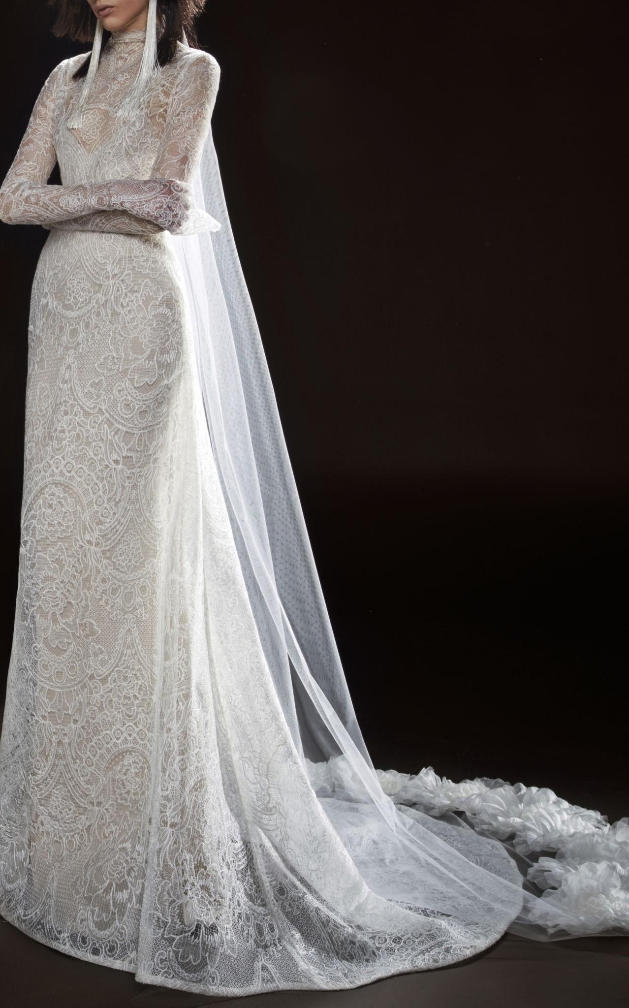 Коллекция свадебных платьев Vera Wang Spring/Summer 2018 года: The Cecile платье с кружевами в пол