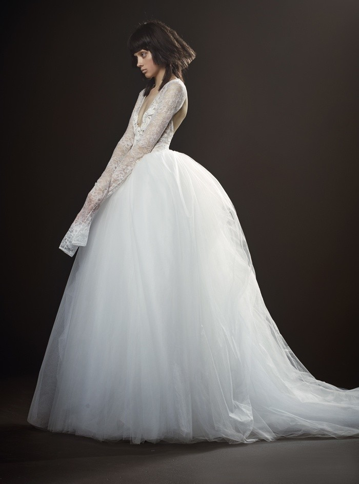 Коллекция свадебных платьев Vera Wang Spring/Summer 2018 года: Therese пышная юбка кружевные рукава
