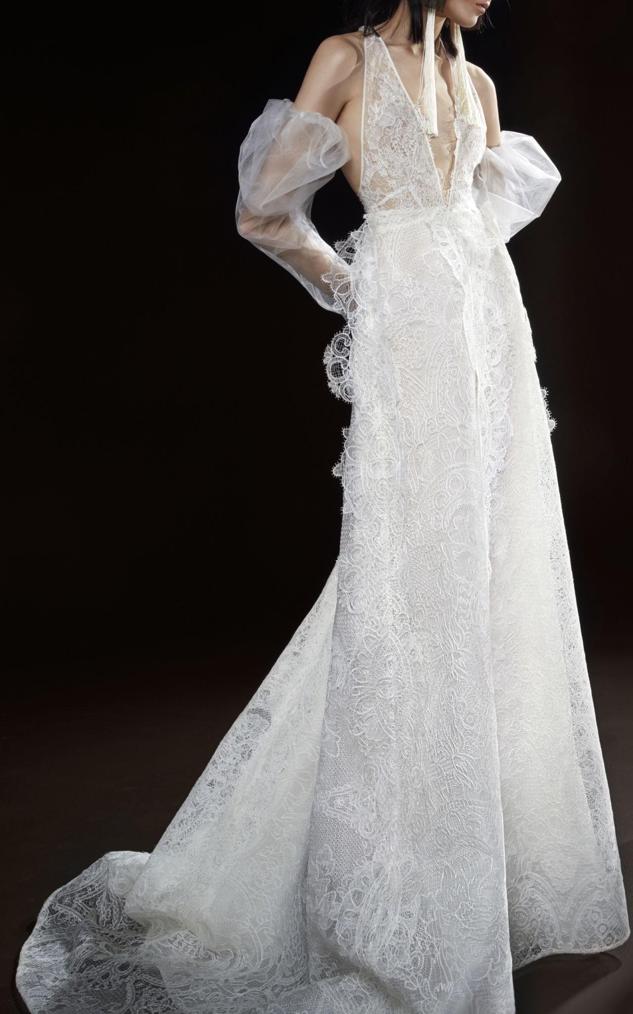Коллекция свадебных платьев Vera Wang Spring/Summer 2018 года: The Celestine V-образный вырез кружева