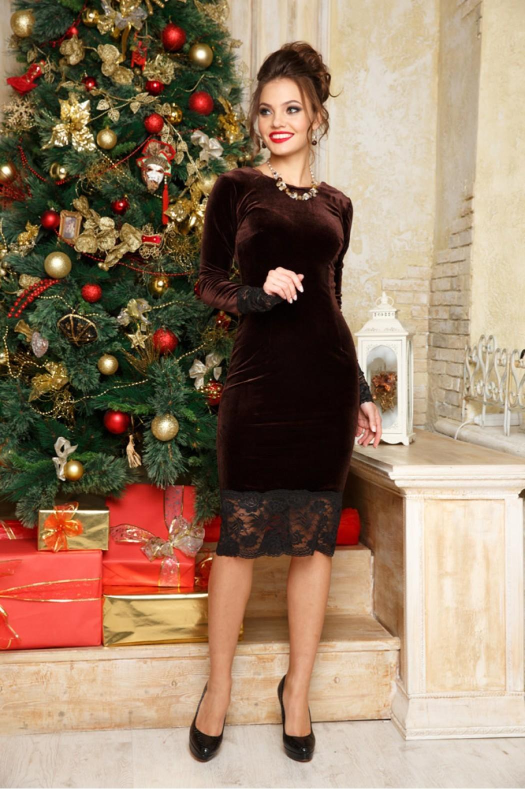 в чем встречать новый год 2018: платье коричневое с кружевом
