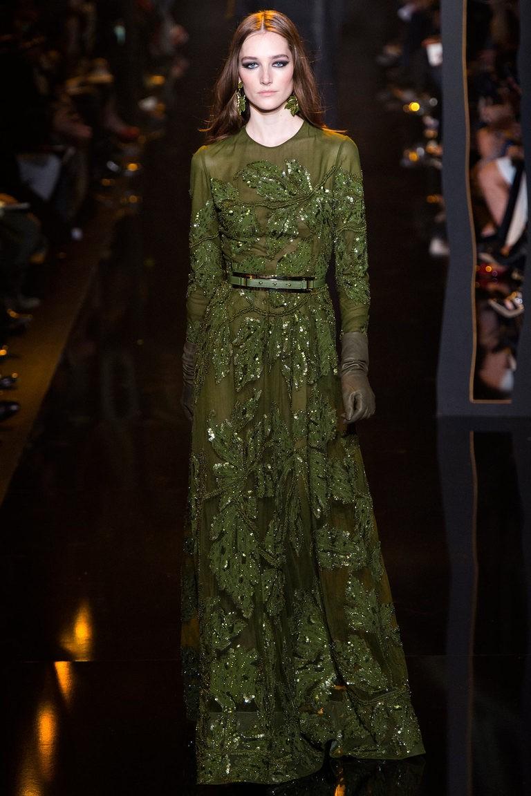вечерние платья на новый год: платье зеленое в пол