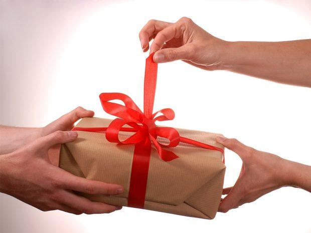 Прикольные подарки на Новый год 2018
