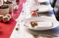 Красивая сервировка стола к Новому году 2019