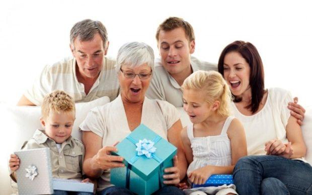 Подарки родителям на Новый год 2018