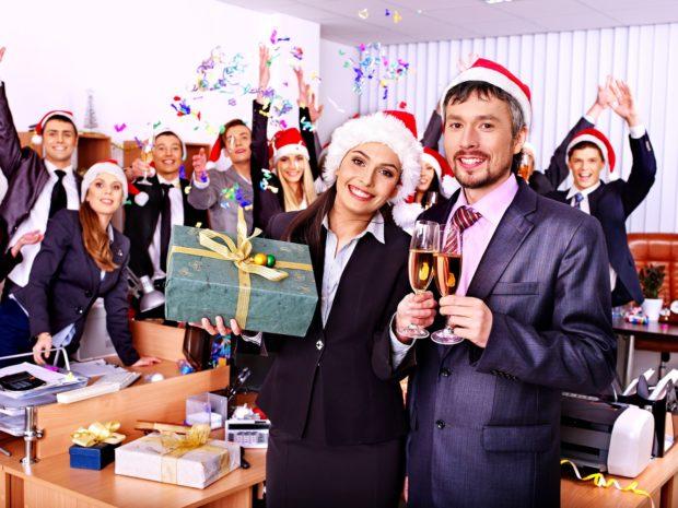 Подарки сотрудникам на Новый год 2018
