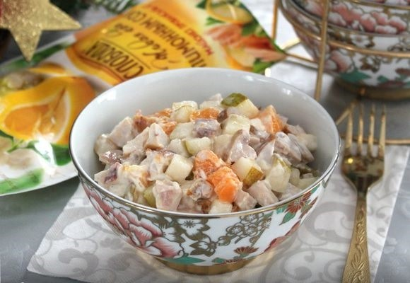 Салат-коктейль с мясом кролика