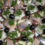 Бутерброд «С сельдью и маслинами»