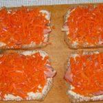 Бутерброд горячий с морковью по – корейски