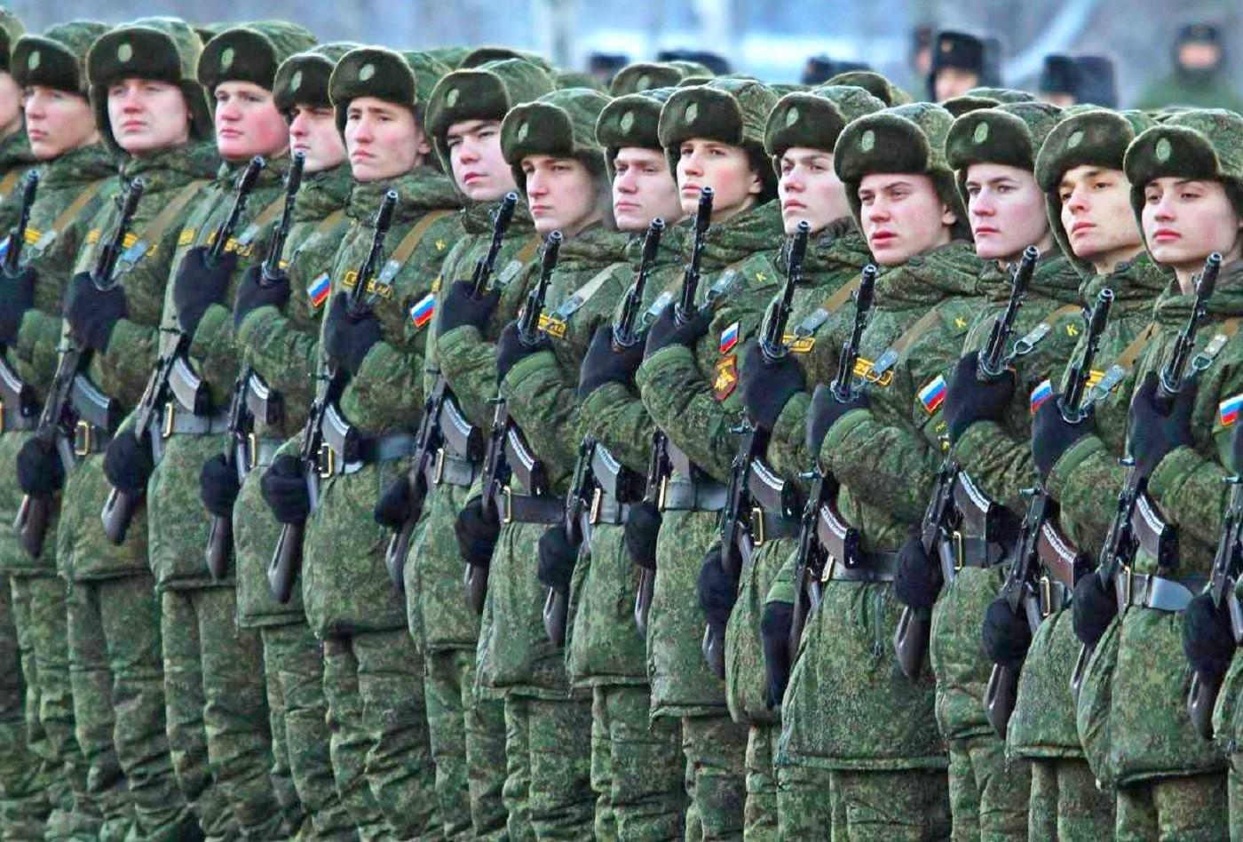 Сколько служат в армии в 2020 году  в России по контракту осенний призыв входит ли срочная служба в общий трудовой стаж